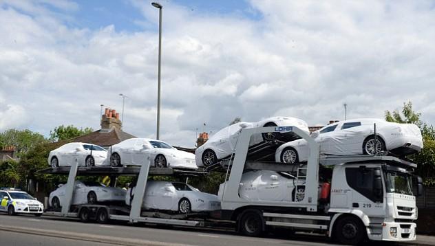 Имигрантите влязоха в Лондон с Maserati