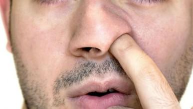 Учен ще докаже, че бъркането в носа е полезно