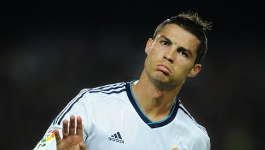 Как Кристиано Роналдо печели и харчи парите си