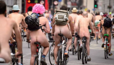 Отстраниха гол колоездач за ерекция