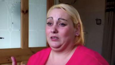 Татуист осакати гърдите на жена