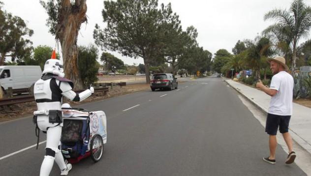 Мъж ще извърви 600 мили в памет на жена си