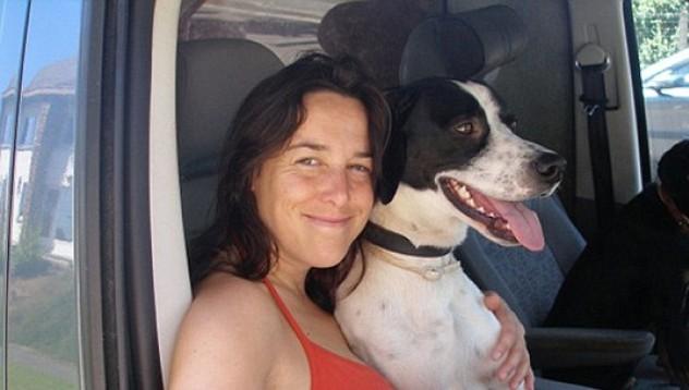 Жена иска да се омъжи за кучето си