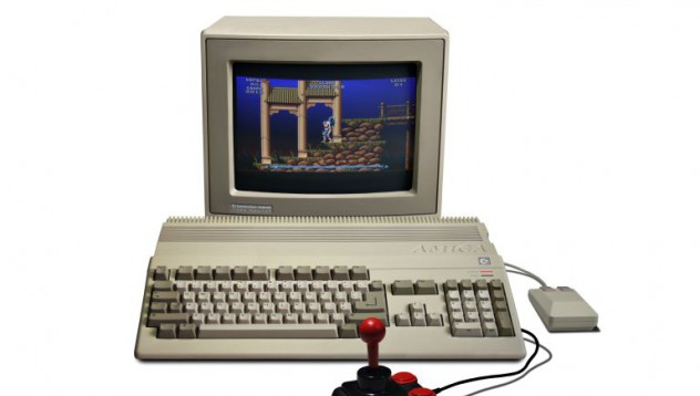 Commodore Amiga 1000 става на 30 години