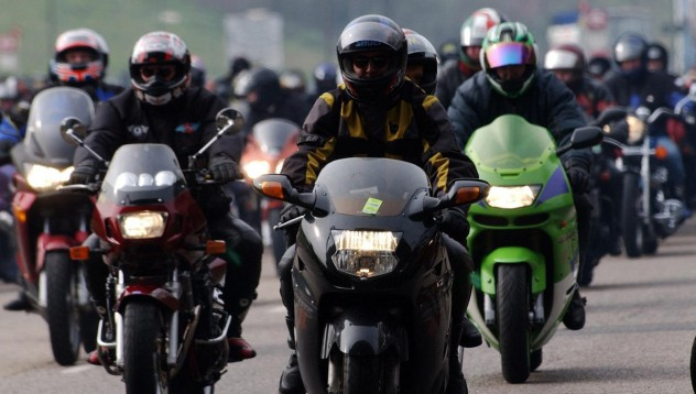 Моторист кара 20 мили до болницата