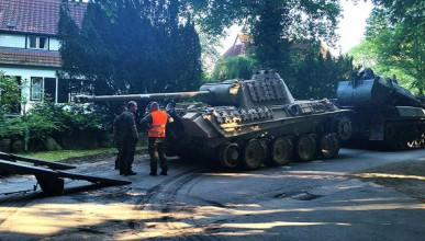 Германец пази 44-тонен танк в мазето си