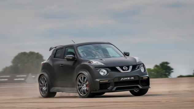Nissan Juke-R 2.0 ще изпоти всеки конкурент