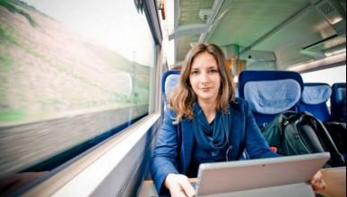Жена живее с месеци във влака
