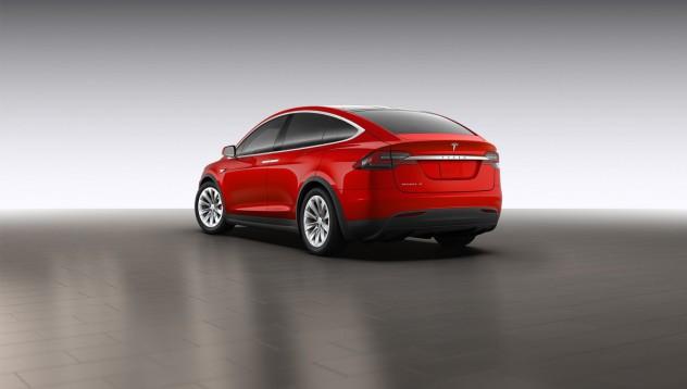 Tesla Model X е първият електрически SUV