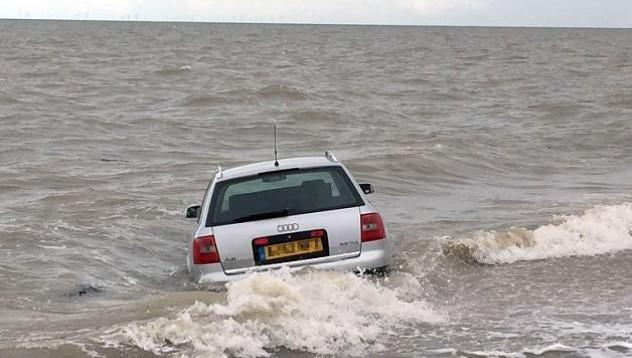 Приливът отнесе Audi A6