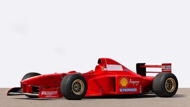 Болид на Шумахер отива на търг