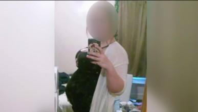 16-годишна тийнейджърка симулира бременност с тризнаци