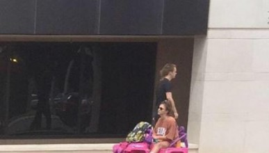 Студентка замени колата с Барби джип