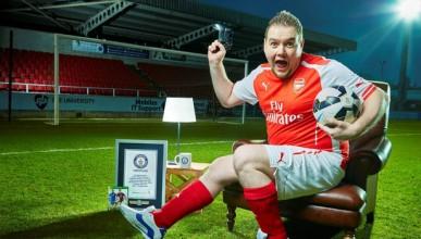 Фен на Арсенал влиза в рекордите на Гинес