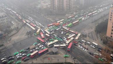 Шофьорите в Китай блъскат пешеходци нарочно