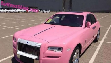 Розов Rolls-Royce се появи в Китай