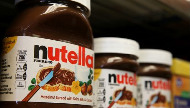 Старец се сби с младеж за Nutella