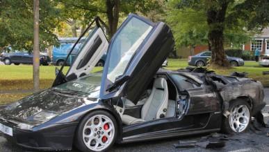 Lamborghini Diablo изгоря на място