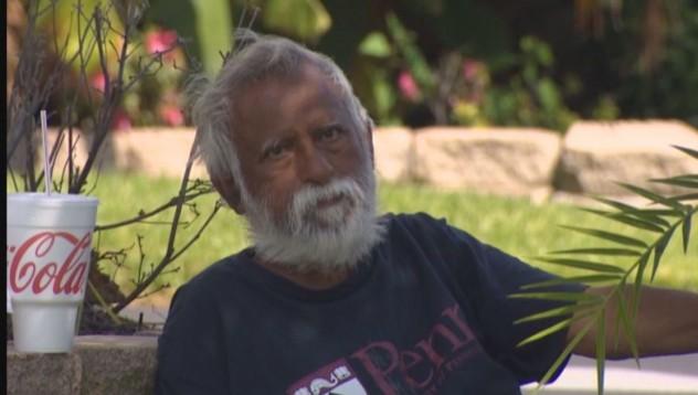 Мъж живее 6 месеца пред къщата си за 1.3 милиона долара