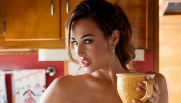 Ана те чака с кафе