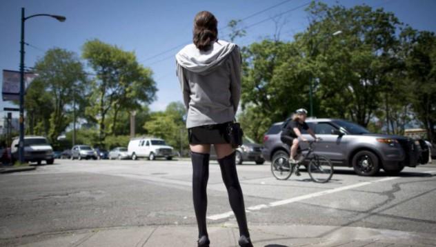 Мъж принудил жена си да проституира