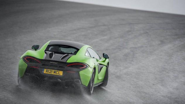 McLaren 570S е интелигентно решение за любителите на високи скорости