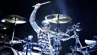 Барабанистът на Blink 182 предлагал милиони долари на човека, който го убие