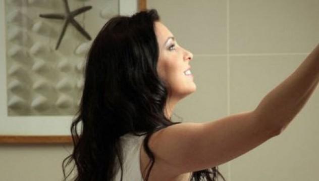 Ева иска да покаже банята