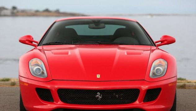 Никълъс Кейдж продава своето Ferrari