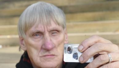 74-годишен мъж се озова с 27-годишна в леглото