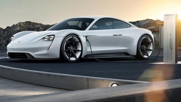 Porsche хвърля ръкавица на Tesla