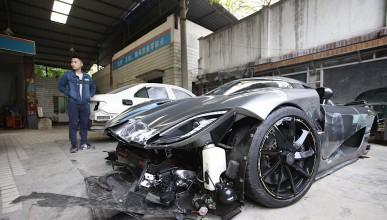 Китаец потроши Koenigsegg