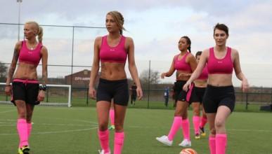 FIFA бойкотира женската футболна лига по бельо