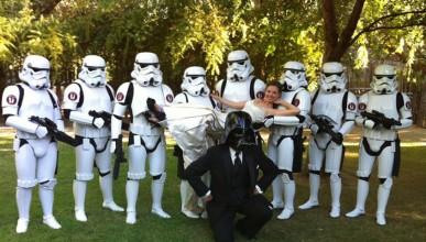 Фирма дава 10 000 долара на всички младоженци