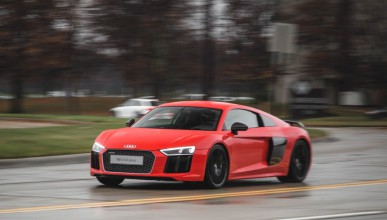 Audi R8 променя правилата на спортните автомобили