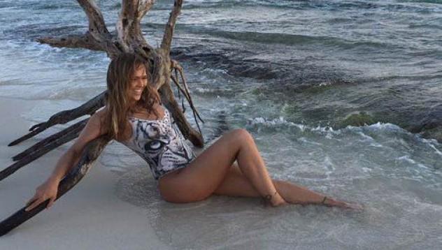 Ронда Роузи е по-красива и гола, отколкото си мислим