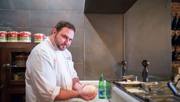 Шеф-готвач свалил 38 килограма с пици