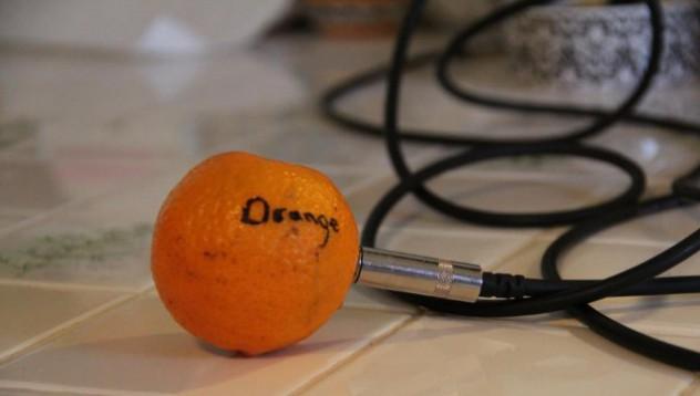 Мъжките седмични реакции с портокали
