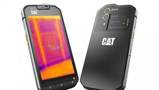 Caterpilar пуска телефон с термална камера