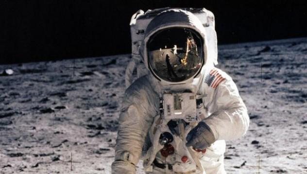 Астронавтите от Apollo 10 с добре пазена тайна