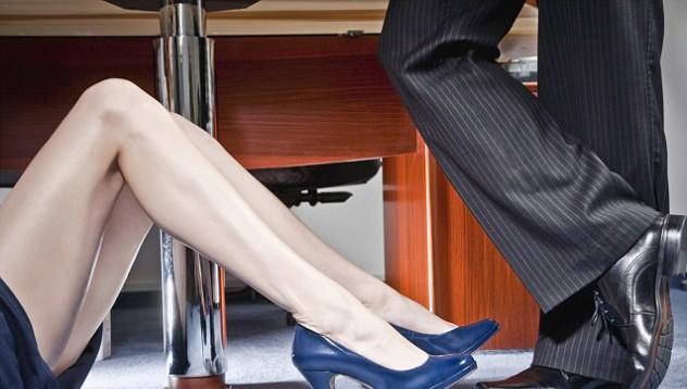 Компания официално забрани на служителите да правят секс в работно време