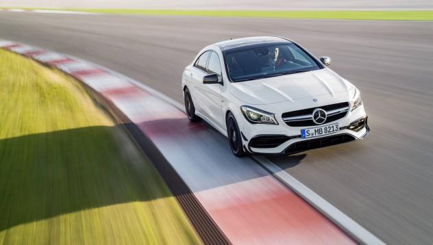 Mercedes-Benz CLA 45 AMG с най-мощният 4-цилиндров двигател