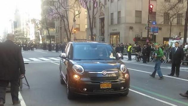 Продават Fiat-a на папата