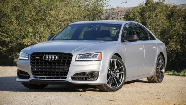Audi 8S+ покорява сърца с поглед