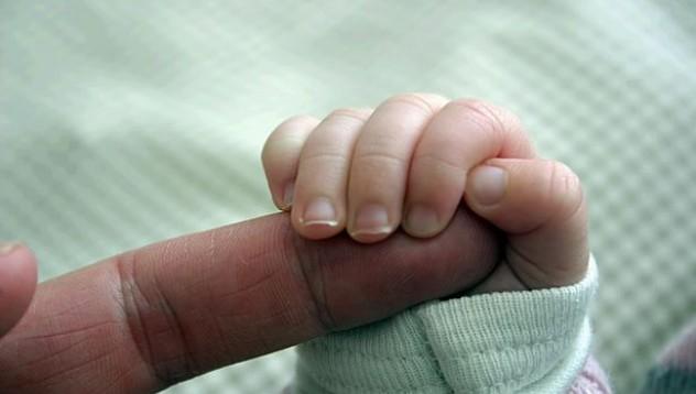 55-годишна жена роди тризнаци