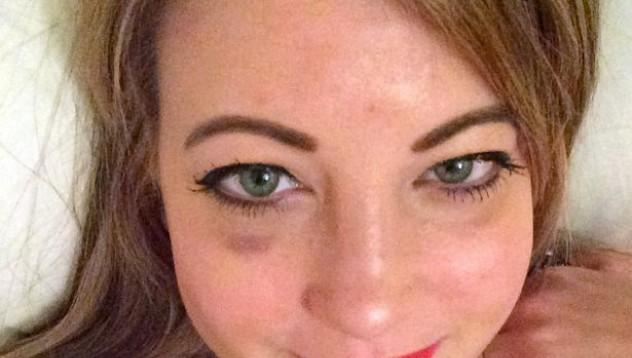 Жена похарчи 8000 паунда, за да може да си прави селфита