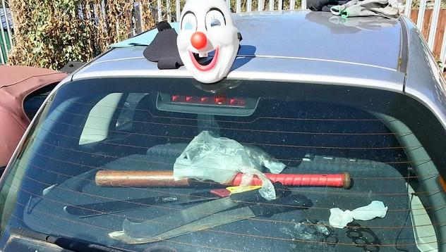 Какво не трябва да оставяте в багажника на колата