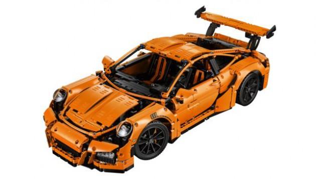 LEGO предлага един малък модел на любимото Porsche