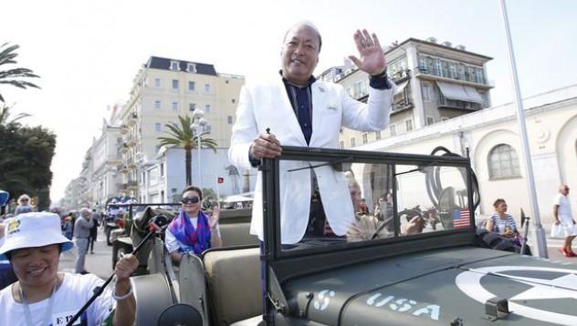 Китайски милиардер заведе служителите си на почивка