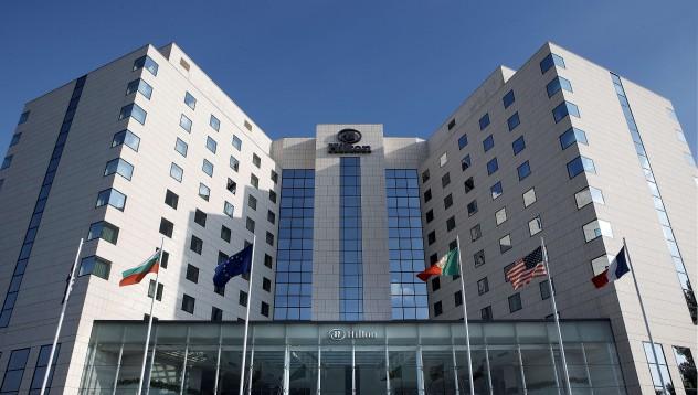 Легендарните приятели на Камата избират хотел Хилтън
